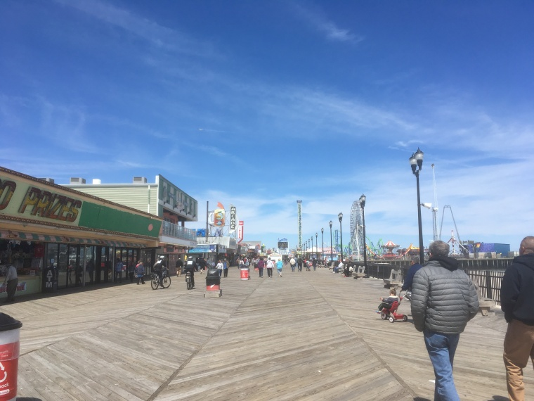 Seaside_Heights_boardwalk_looking_north_toward_Casino_Pier.jpg